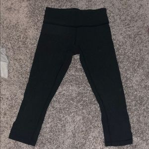 Lululemon charcoal cropped leggings